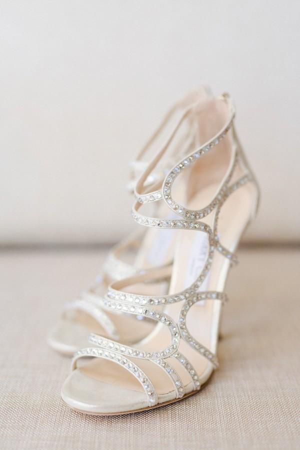 silver-wedding-shoes-idea-for-the-bride-5.jpg