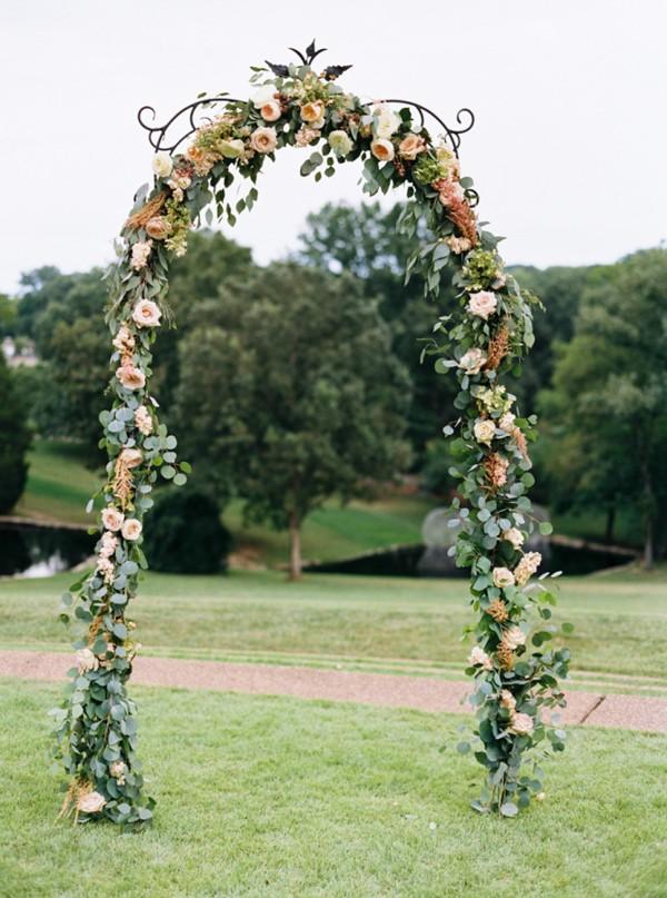 flower-wedding-arbors-and-arches-4.jpg