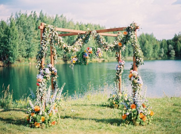 flower-wedding-arbors-and-arches-8.jpg
