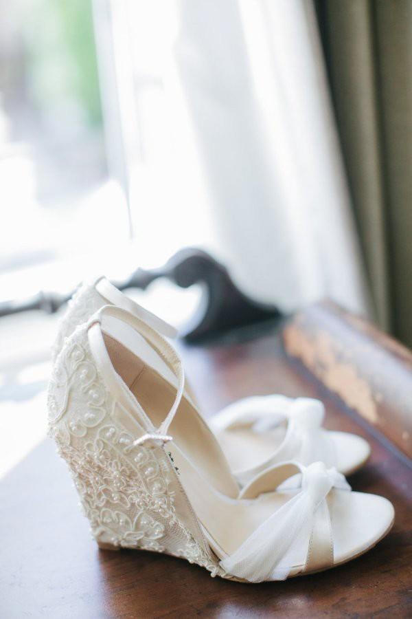 white-wedding-shoes-ideas-7.jpg