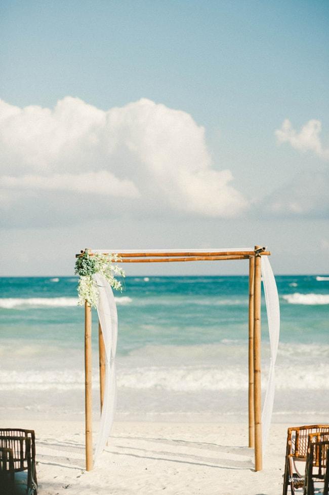 beach-wedding-arches-and-arbors-trendy-bride-3-min.jpg