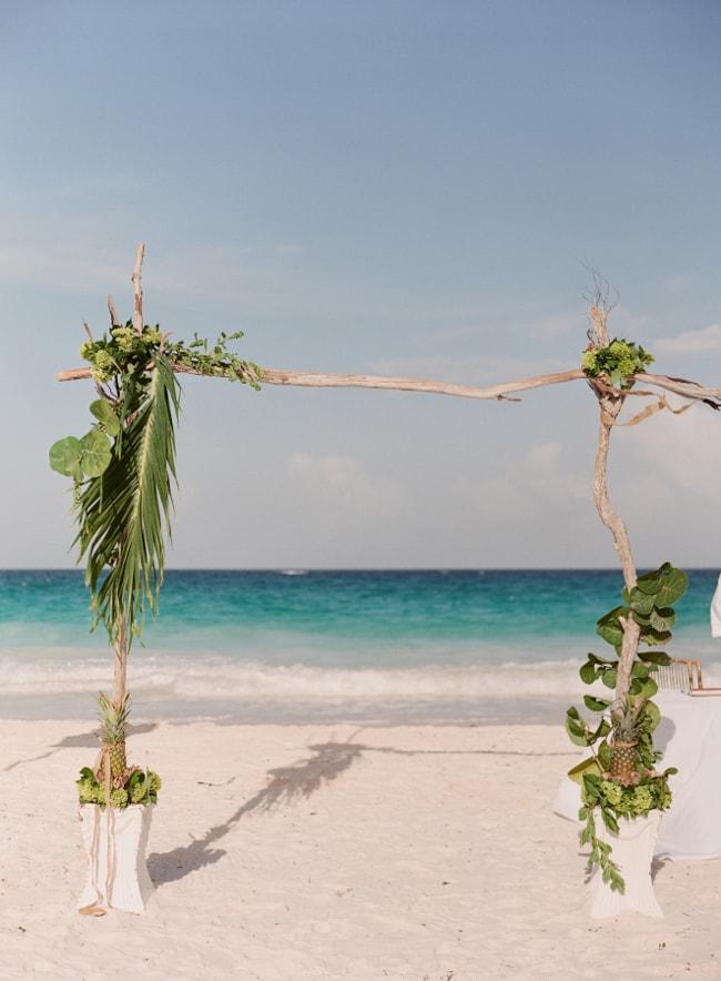 beach-wedding-arches-and-arbors-trendy-bride-5-min.jpg