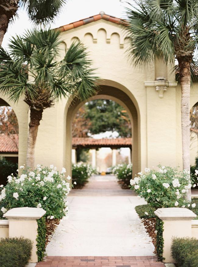 rollins-college-winter-park-florida-engagement-photos-3.jpg