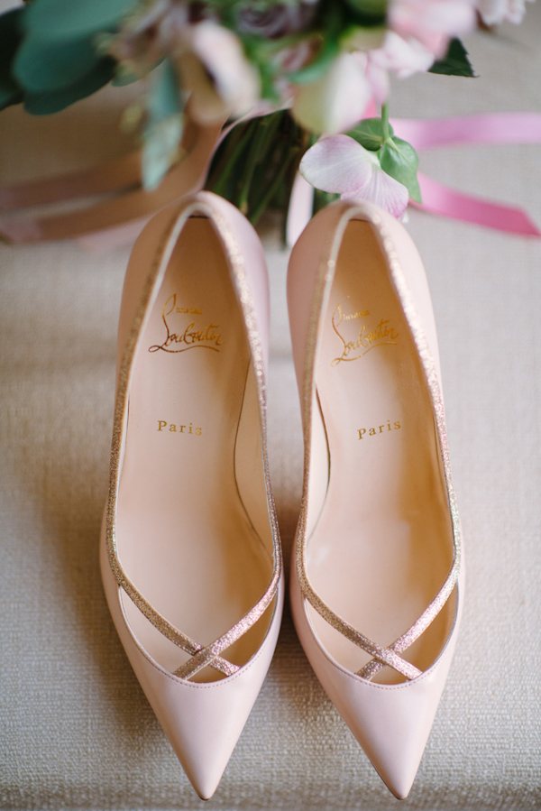 pointy-heels-idea-for-the-bride-8.jpg