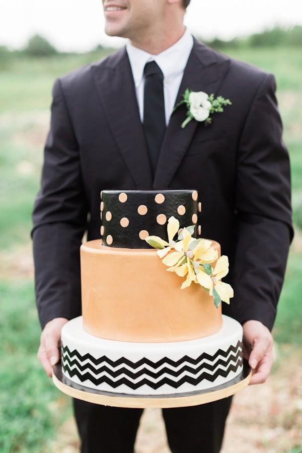 fall-wedding-cake-ideas-trendy-bride-5.jpg