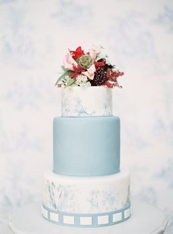 pastel-baby-blue-wedding-cake.jpg