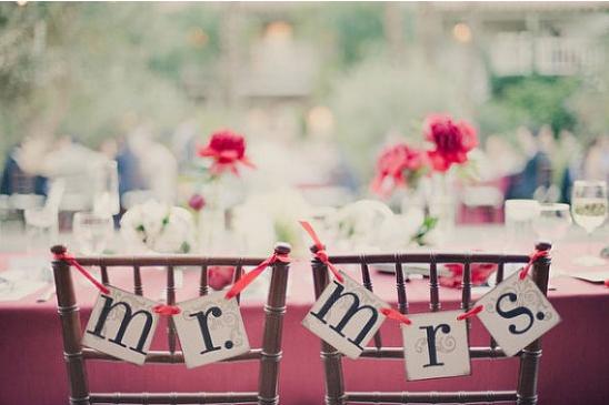 mr-and-mrs-wedding-signs.jpg