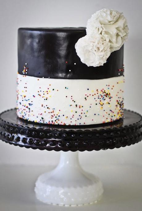 black-and-white-wedding-cake-ideas-2.jpg