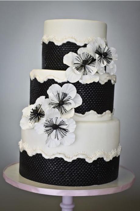 black-and-white-wedding-cake-ideas-7.jpg