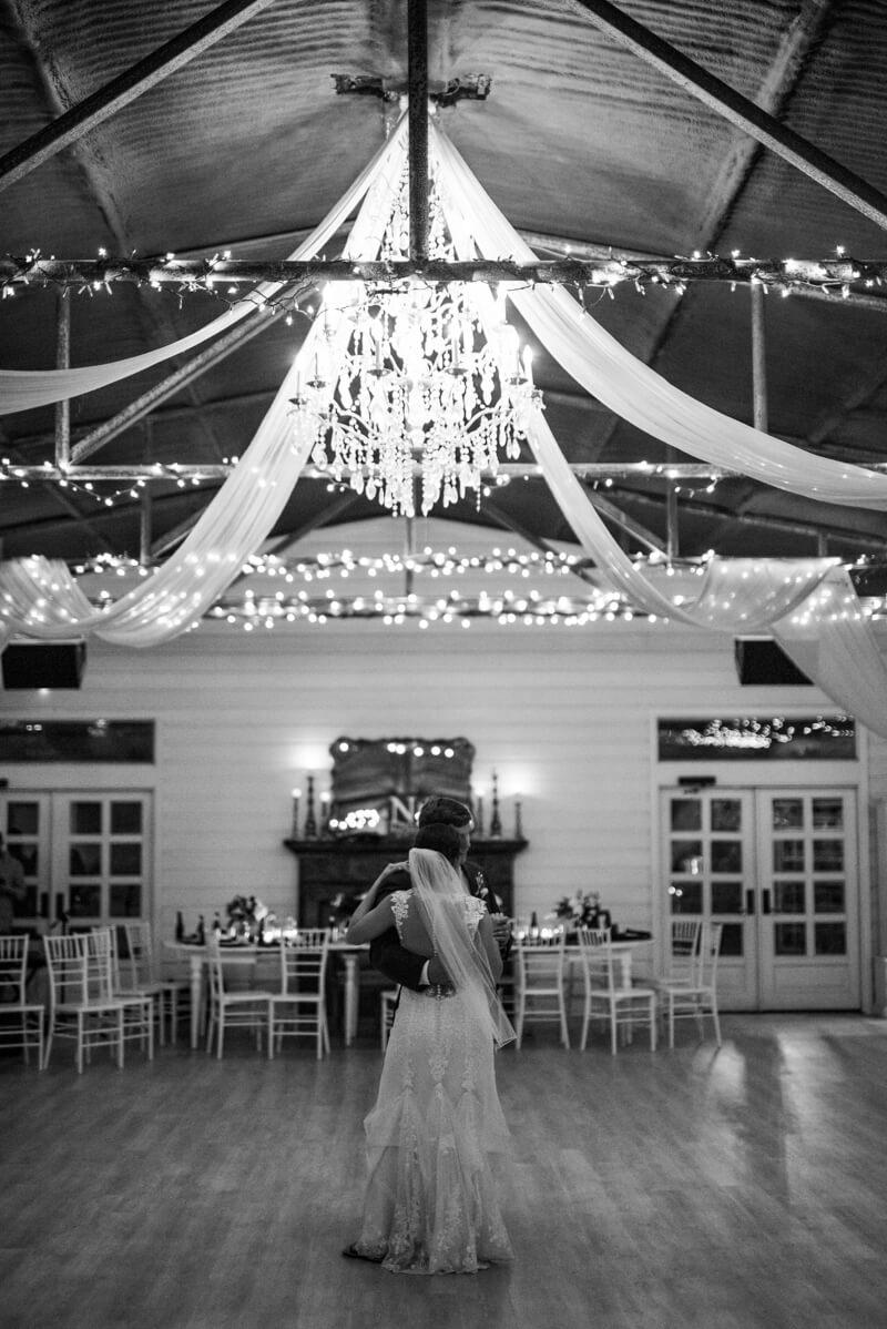 flying-v-ranch-wedding-photos-decatur-texas.jpg