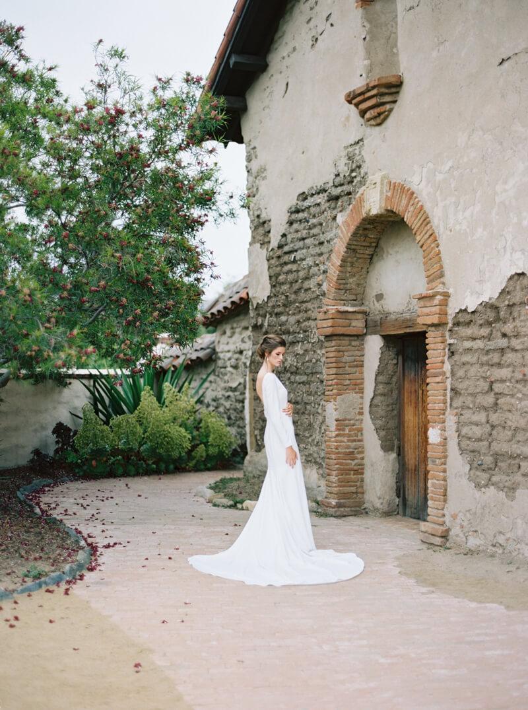 spanish-mission-wedding-shoot-california-12.jpg