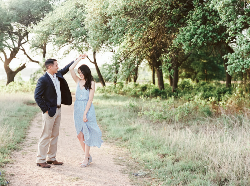 georgetown-texas-engagement-photos-fine-art-4.jpg