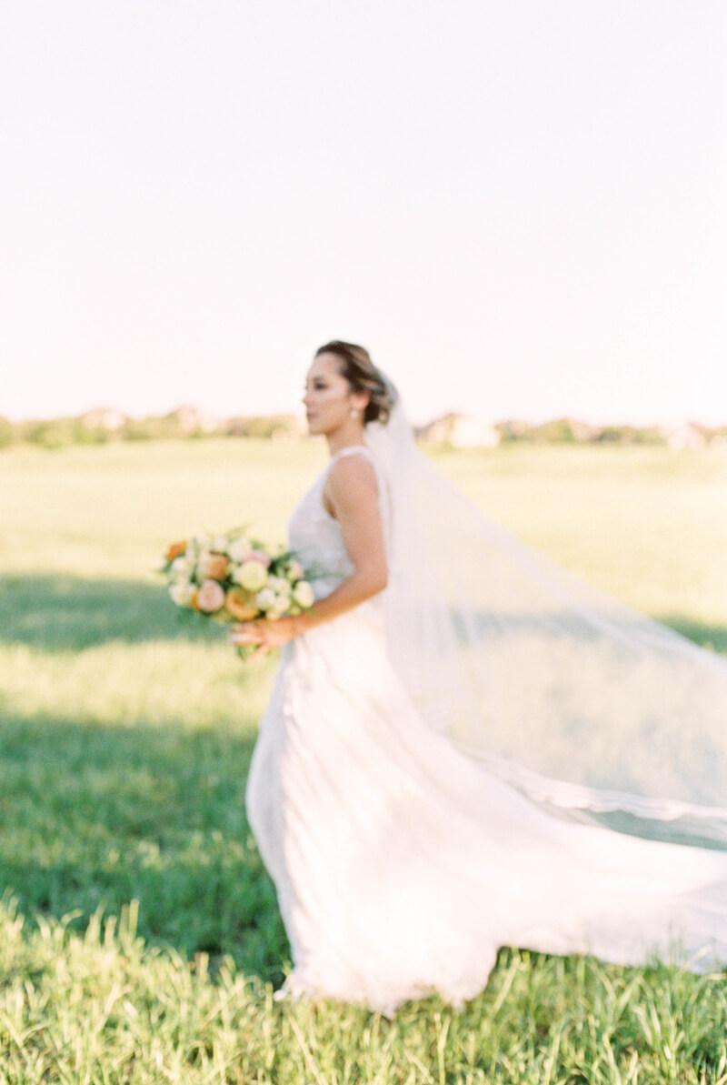 texan-wedding-inspiration-fine-art-film-2.jpg
