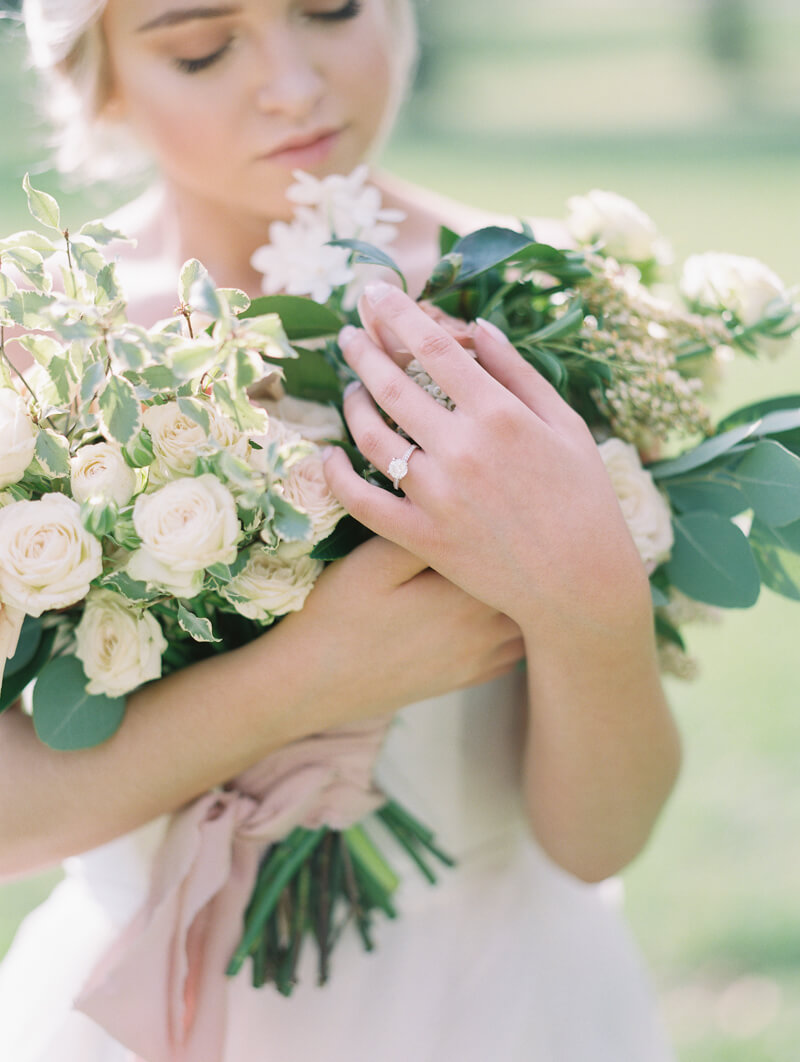 ethereal-blossom-bridal-portraits-fine-art-film-6.jpg