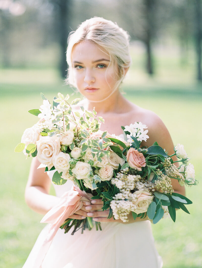 ethereal-blossom-bridal-portraits-fine-art-film-7.jpg