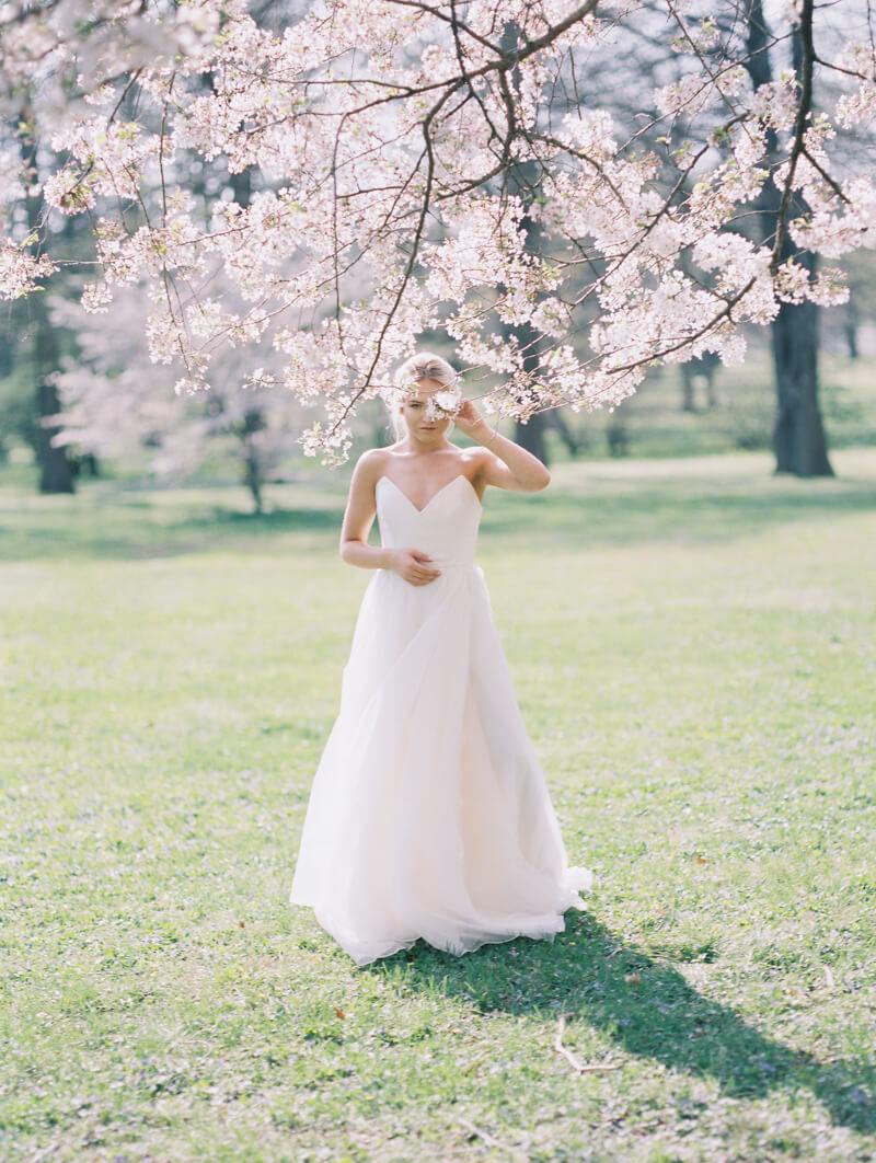 ethereal-blossom-bridal-portraits-fine-art-film-11.jpg