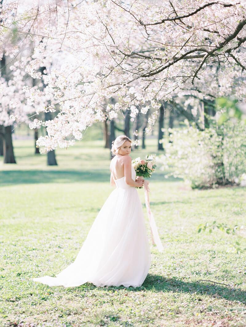 ethereal-blossom-bridal-portraits-fine-art-film-14.jpg