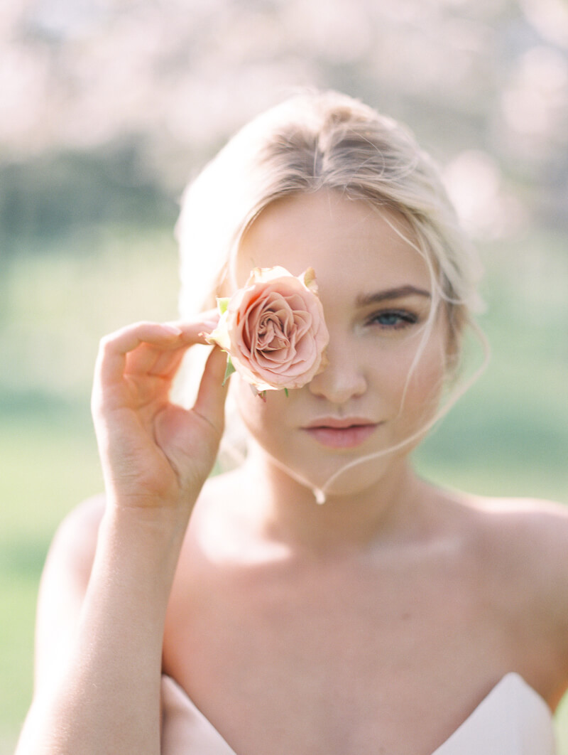 ethereal-blossom-bridal-portraits-fine-art-film-15.jpg