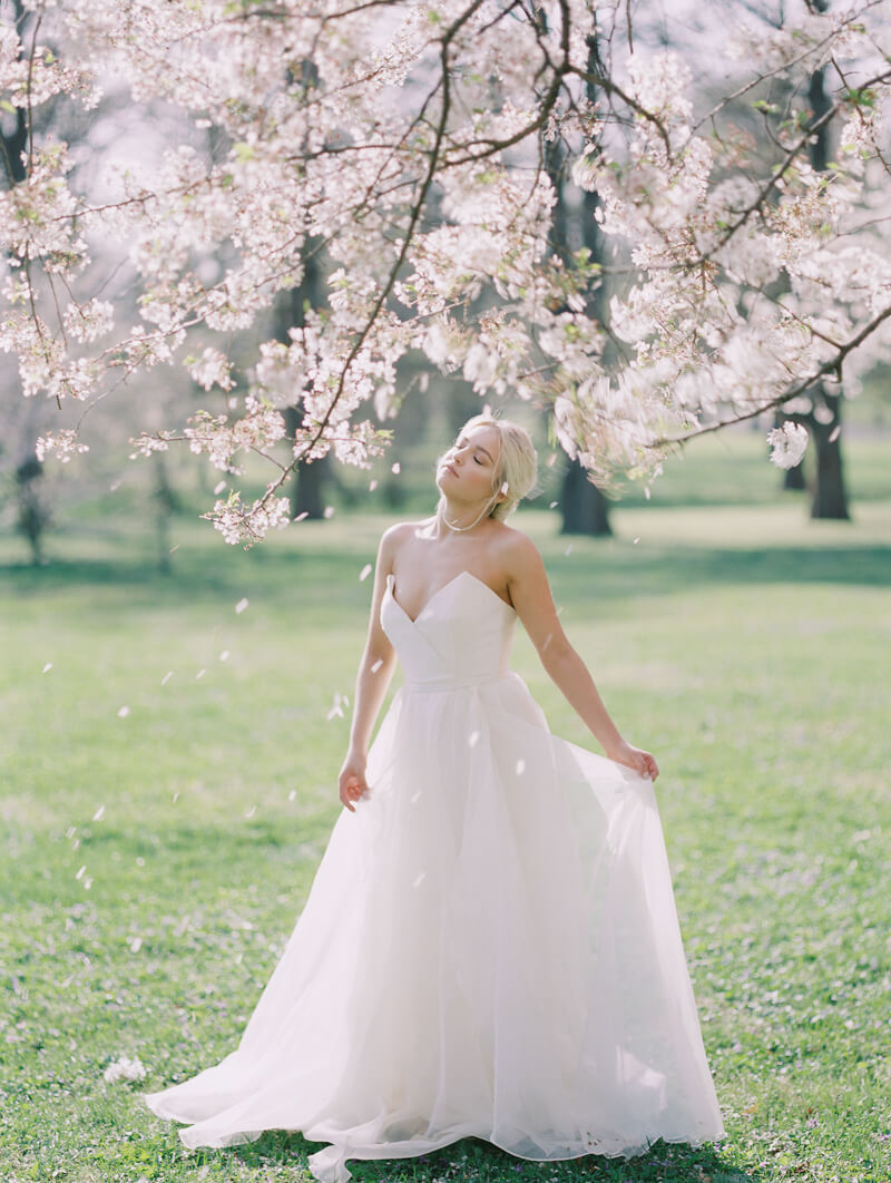 ethereal-blossom-bridal-portraits-fine-art-film-18.jpg