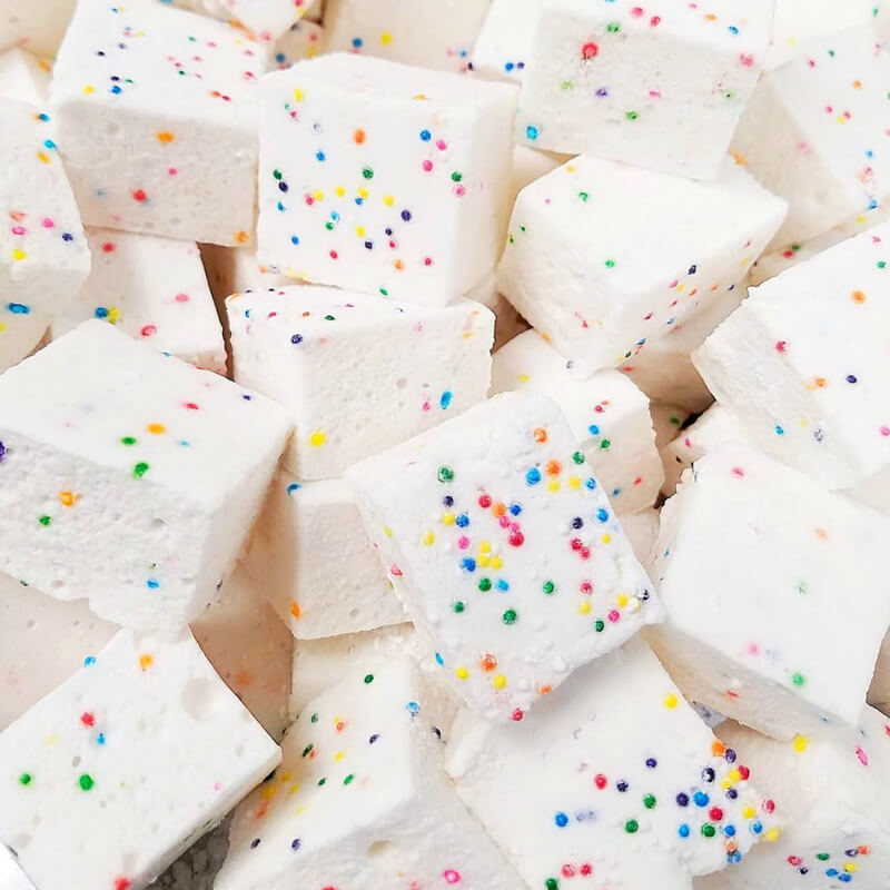 xo-marshmallow-wedding-favors-2.jpg