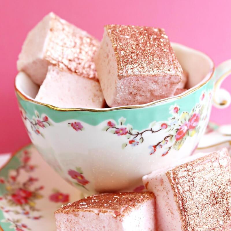 xo-marshmallow-wedding-favors-3.jpg