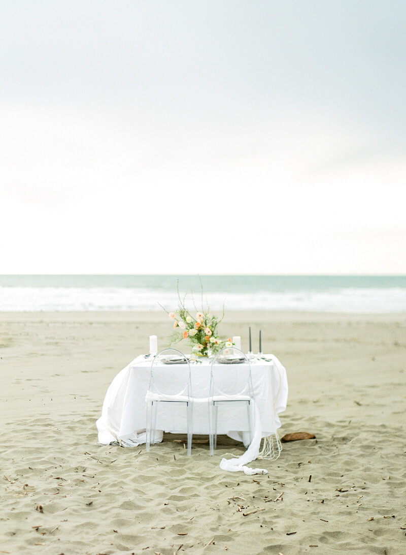 ocean-beach-wedding-inspo-8.jpg