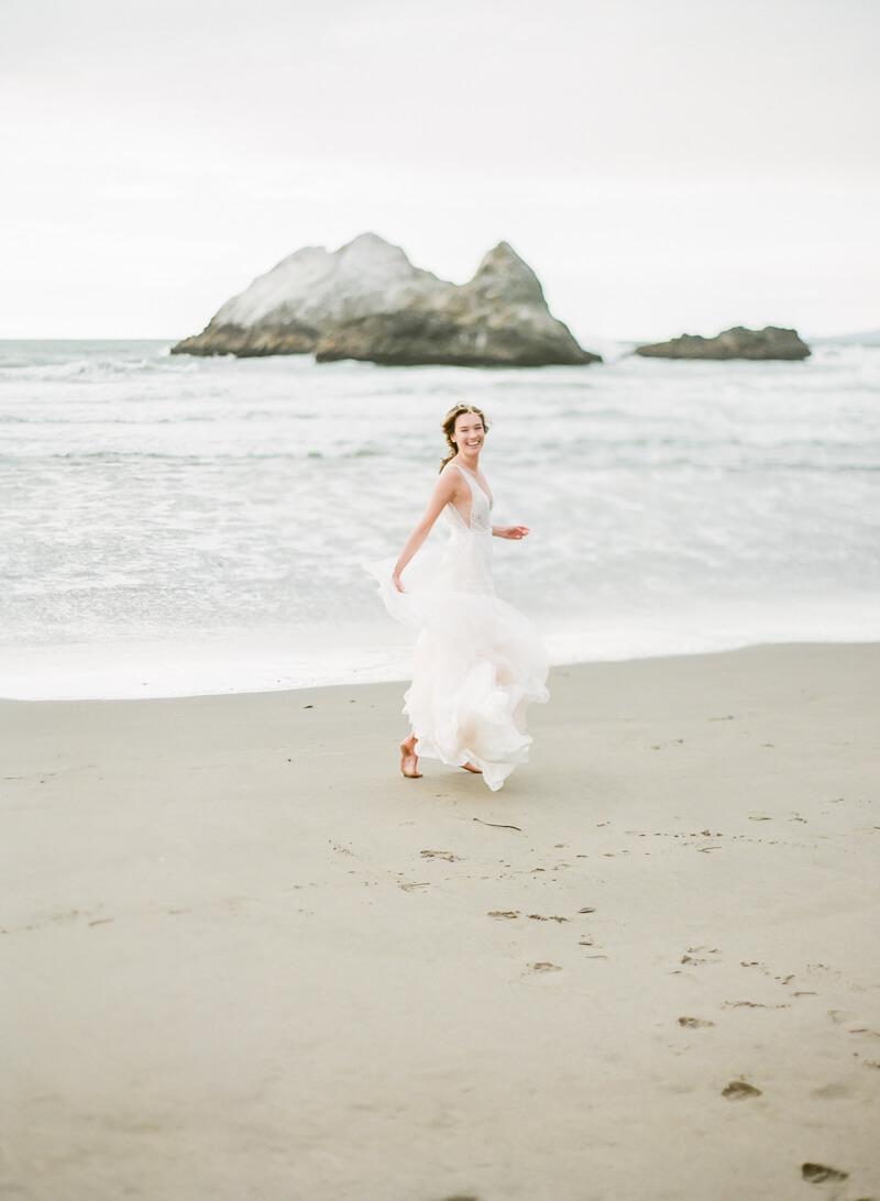 ocean-beach-wedding-inspo-14.jpg