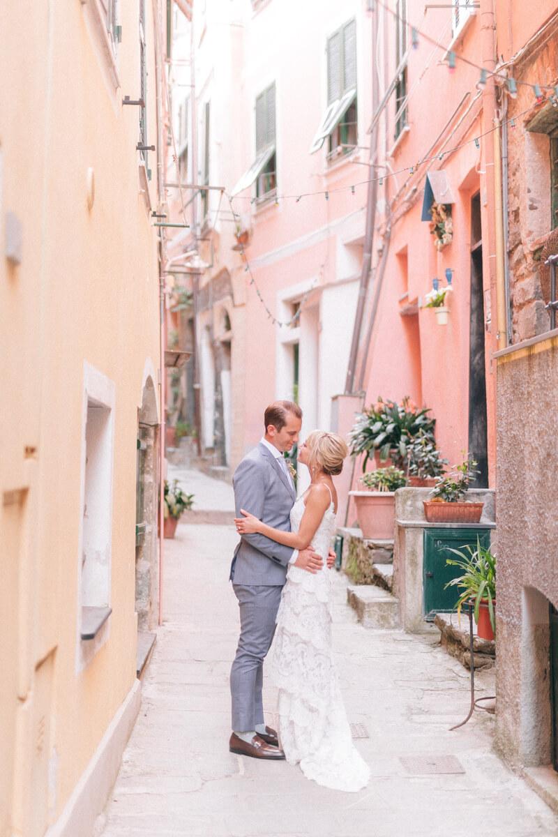 cinque-terre-italy-elopement-destination-weddings-21.jpg