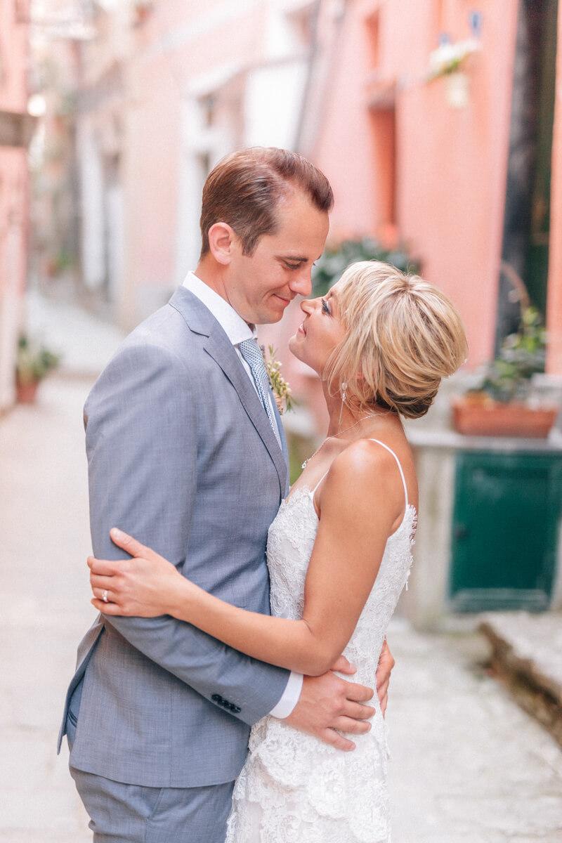 cinque-terre-italy-elopement-destination-weddings-22.jpg