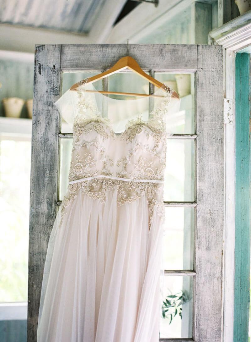 vintage-inspired-weddings-9.jpg