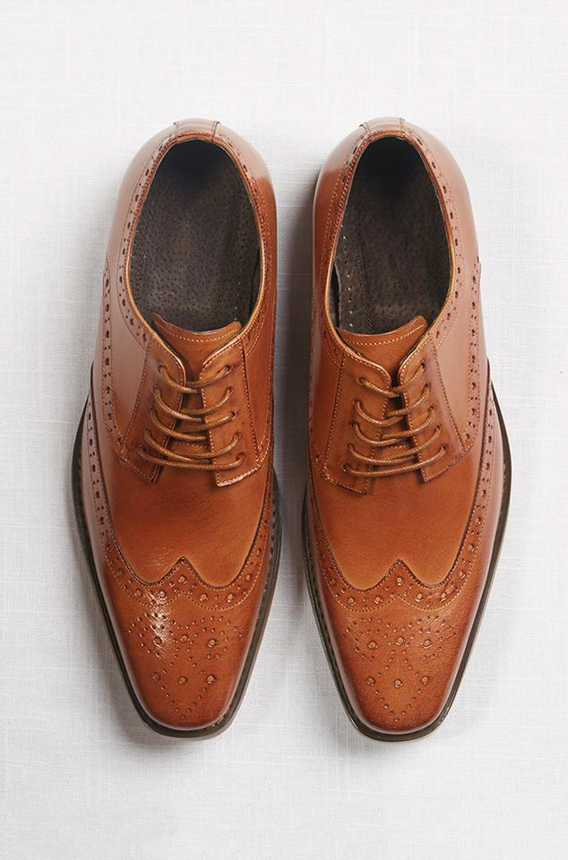 the-groomsman-suit-dress shoes.jpg