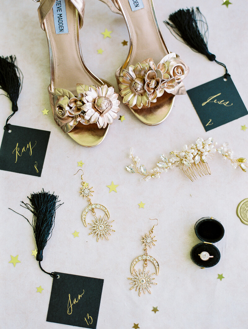 minimalist-celestial-wedding-inspo-14.jpg
