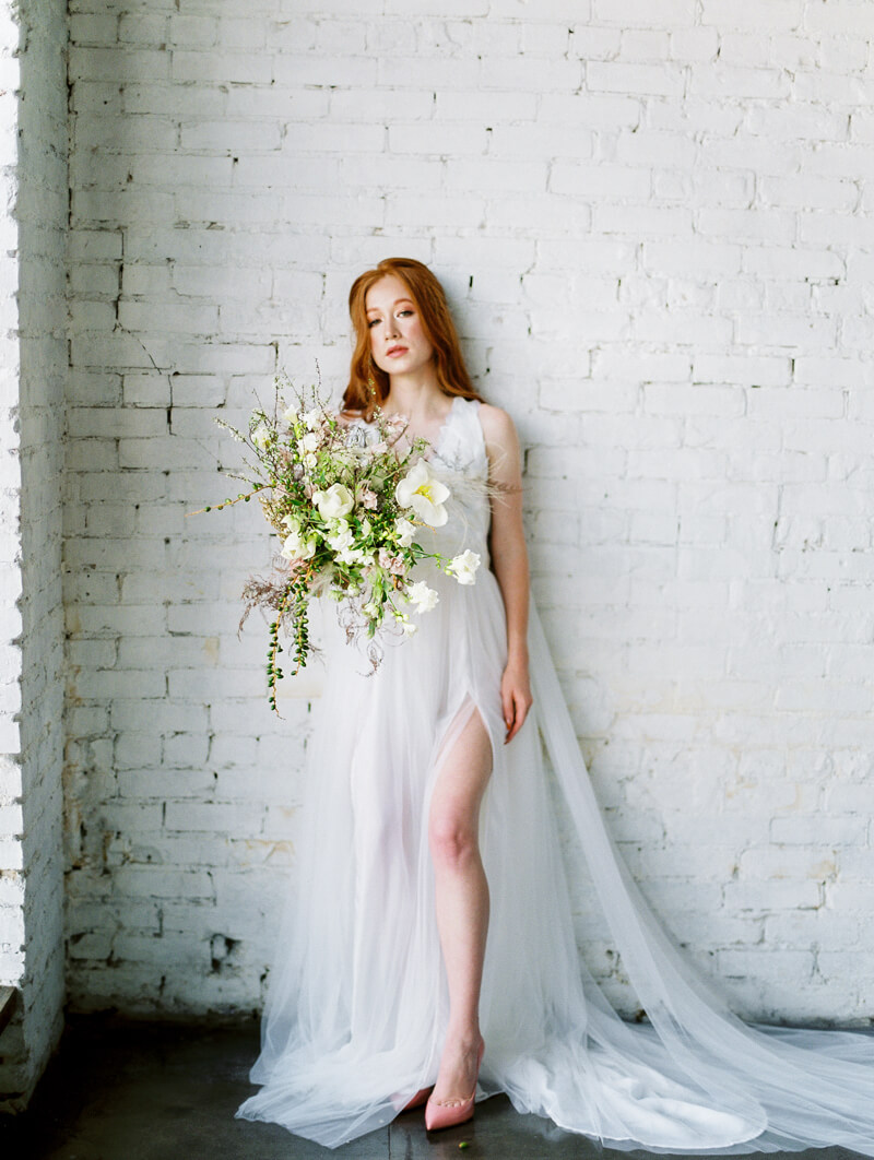 minimalist-celestial-wedding-inspo-18.jpg