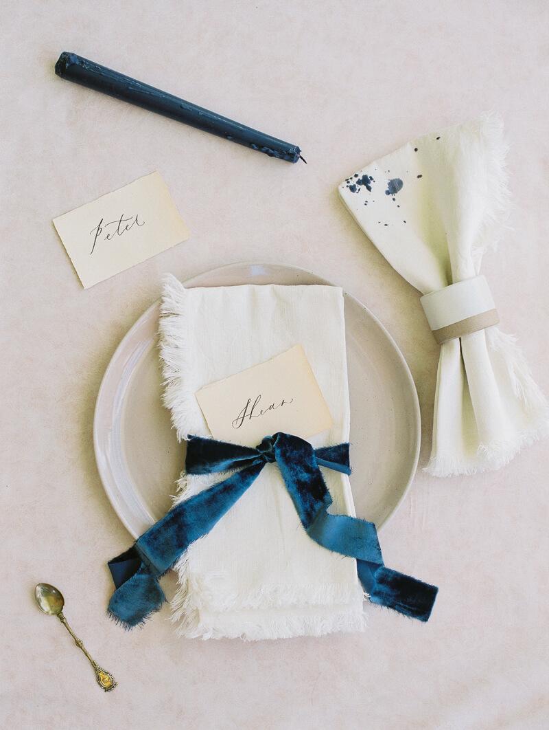minimalist-celestial-wedding-inspo-3.jpg