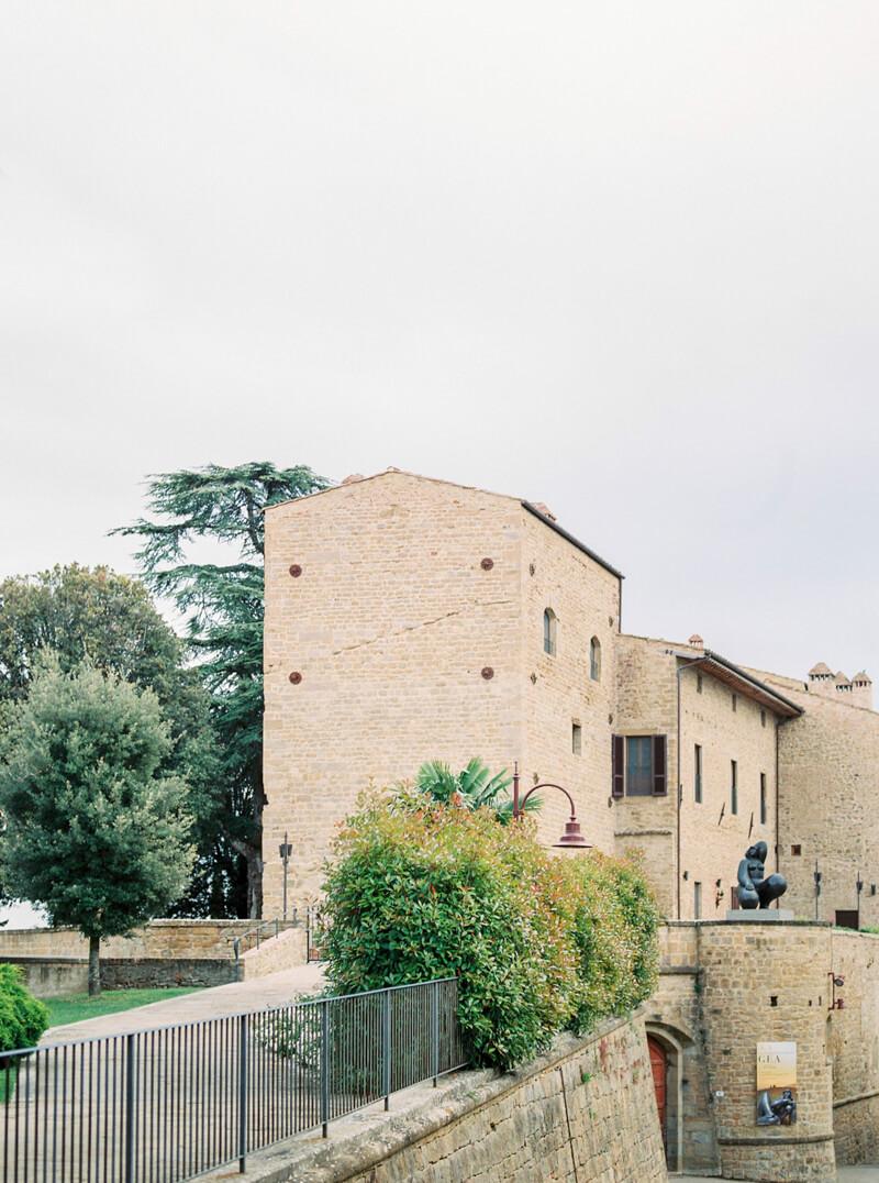 tuscany-italy-engagement-photos-8.jpg