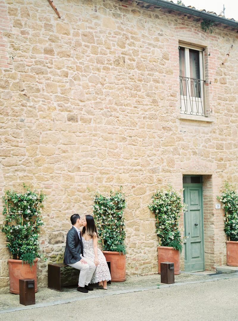 tuscany-italy-engagement-photos-10.jpg