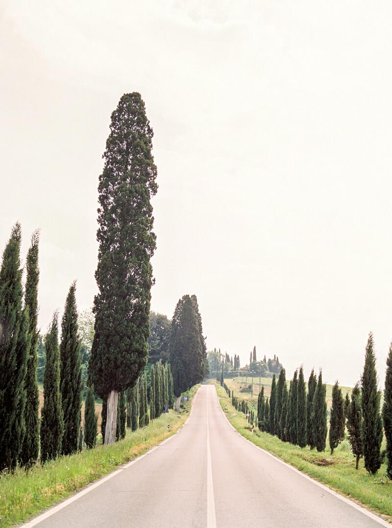 tuscany-italy-engagement-photos-19.jpg
