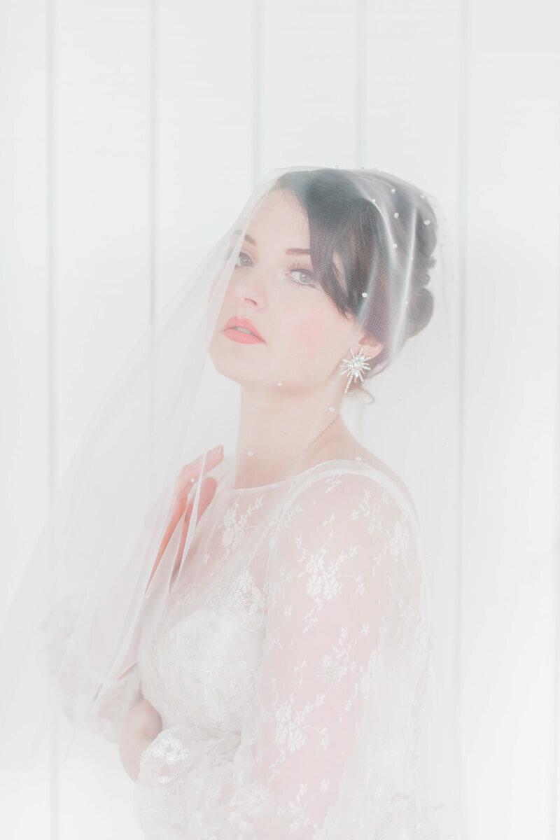 bright-joyful-wedding-inspo-15.jpg
