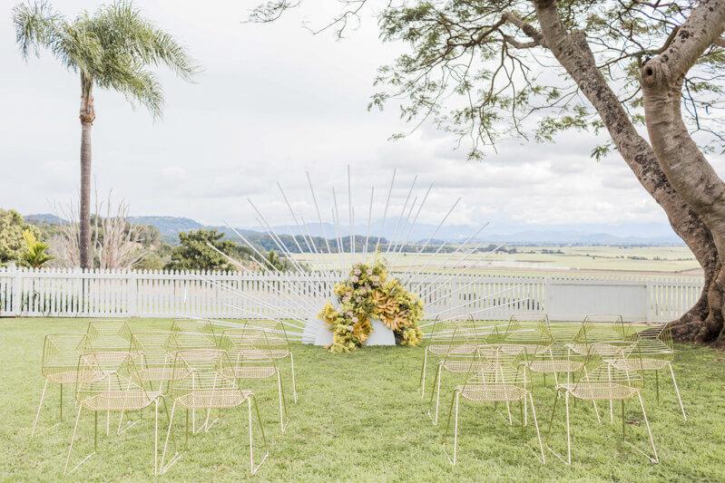 bright-joyful-wedding-inspo-2.jpg