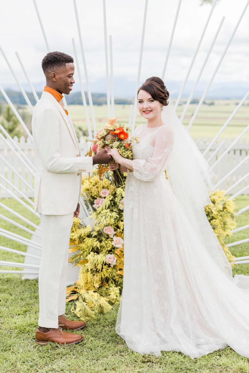 bright-joyful-wedding-inspo-4.jpg