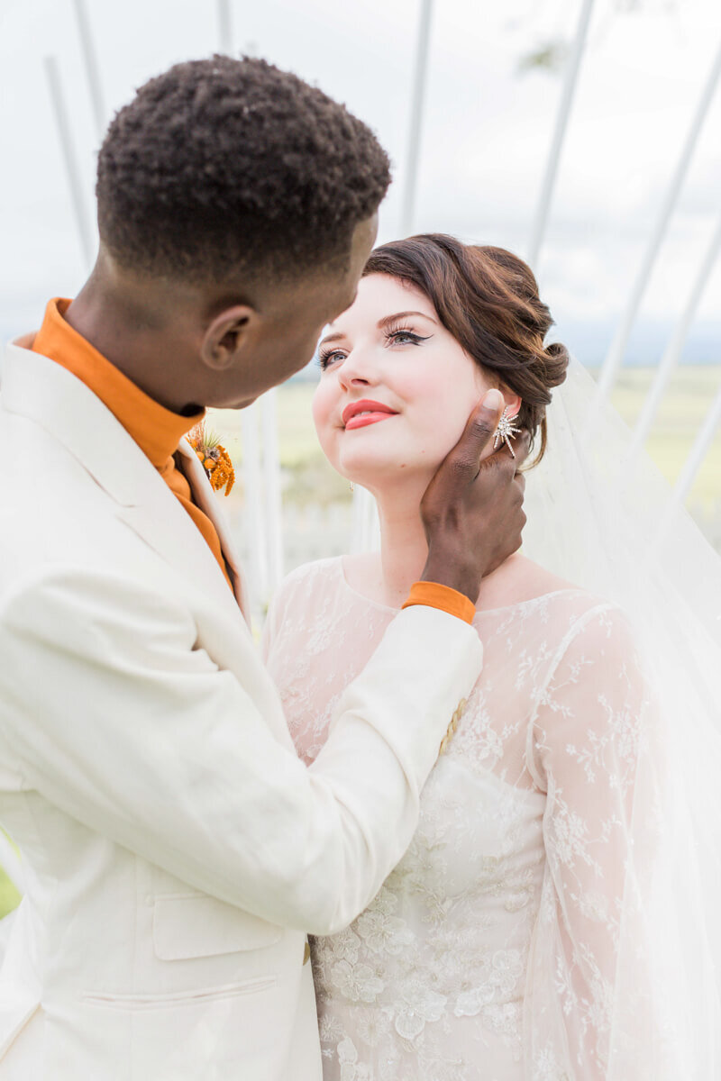 bright-joyful-wedding-inspo-5.jpg