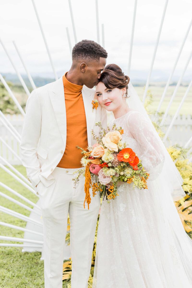 bright-joyful-wedding-inspo-7.jpg