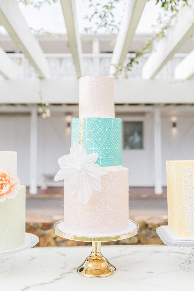 bright-joyful-wedding-inspo-9.jpg