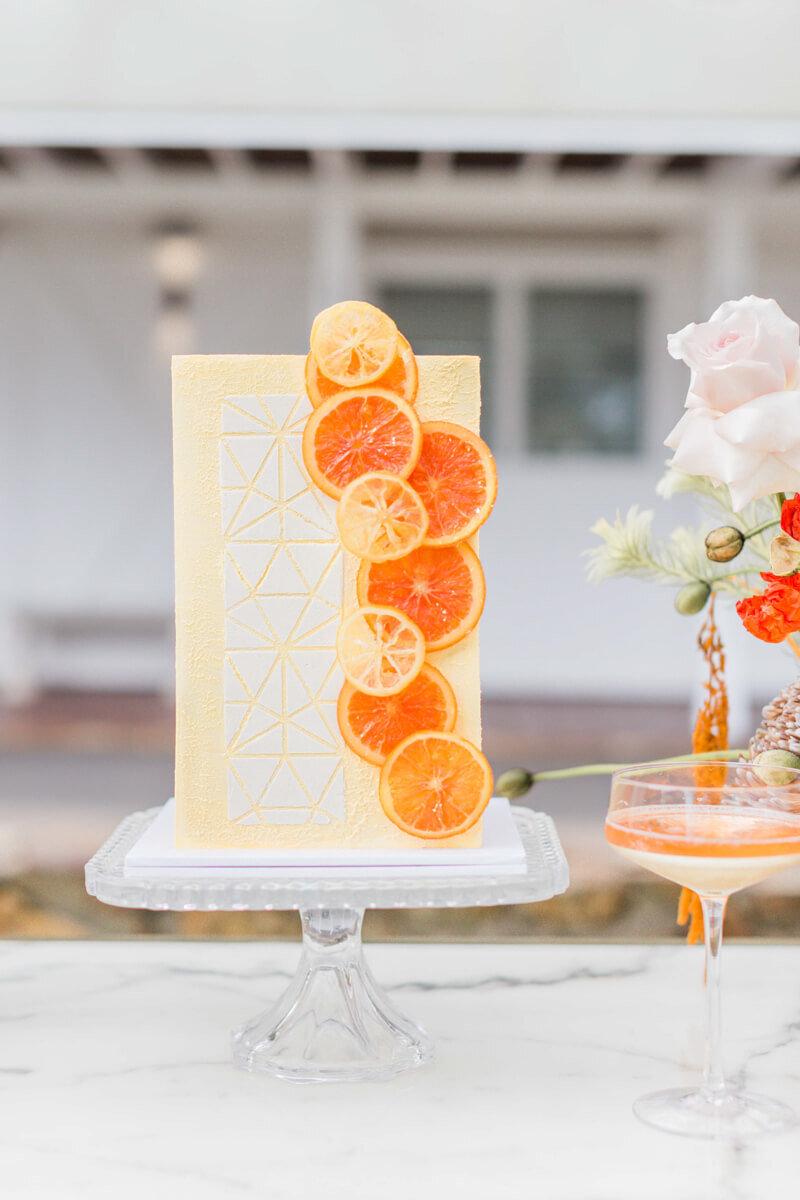 bright-joyful-wedding-inspo-10.jpg