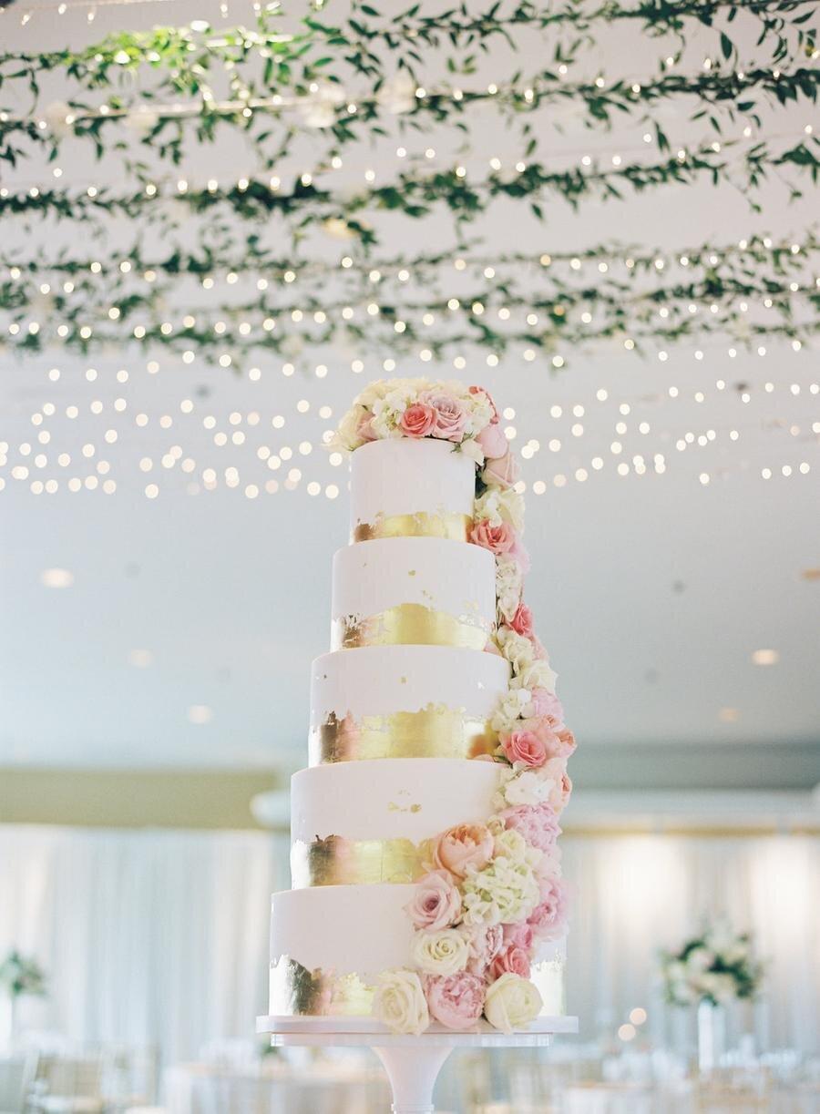 gold-foil-wedding-cakes-15.jpg