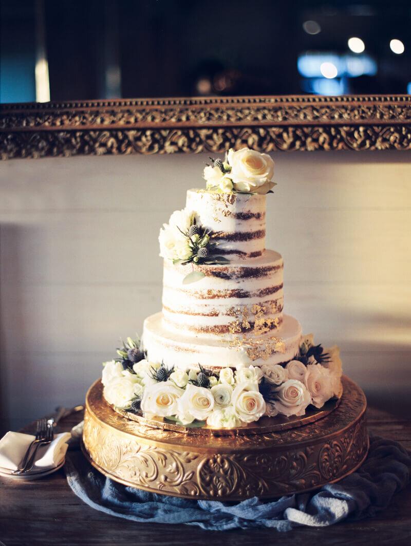 gold-foil-wedding-cakes-20.jpg