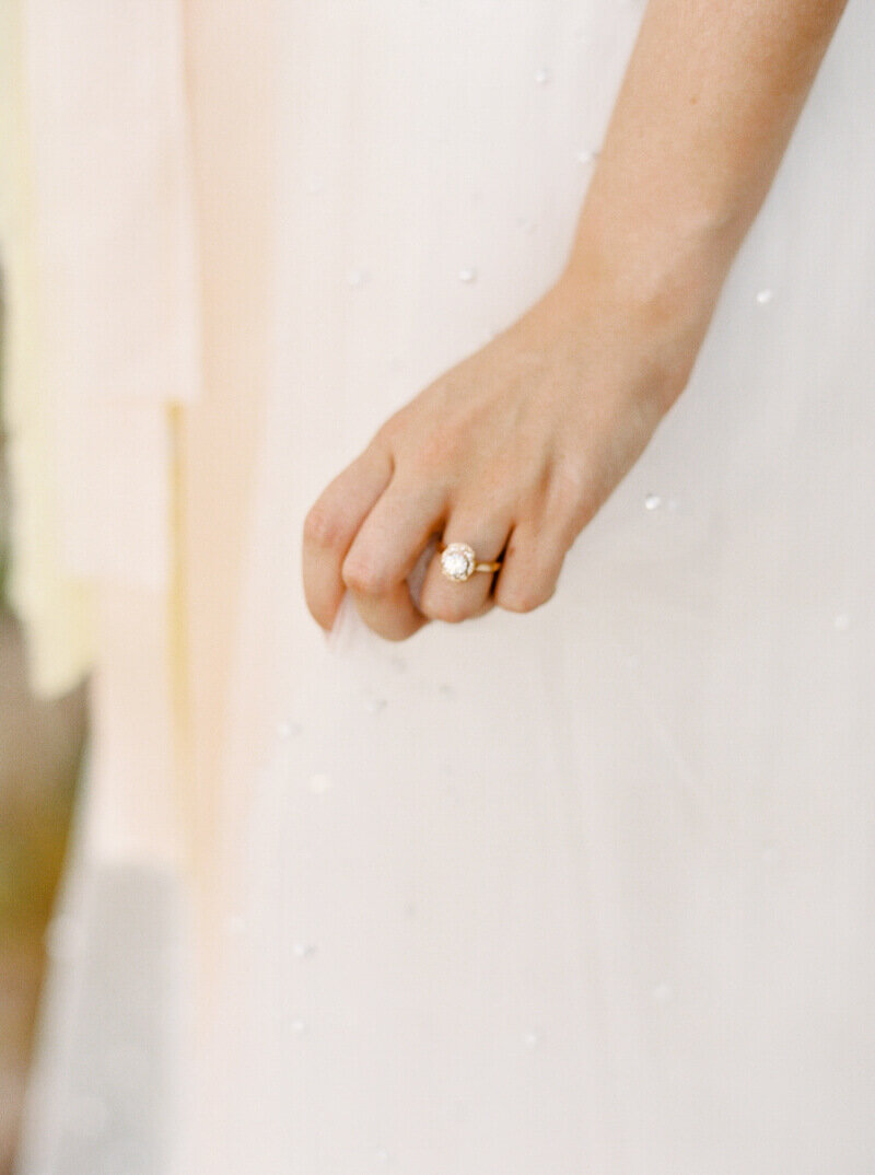 enchanted-rock-bridal-shoot-27.jpg