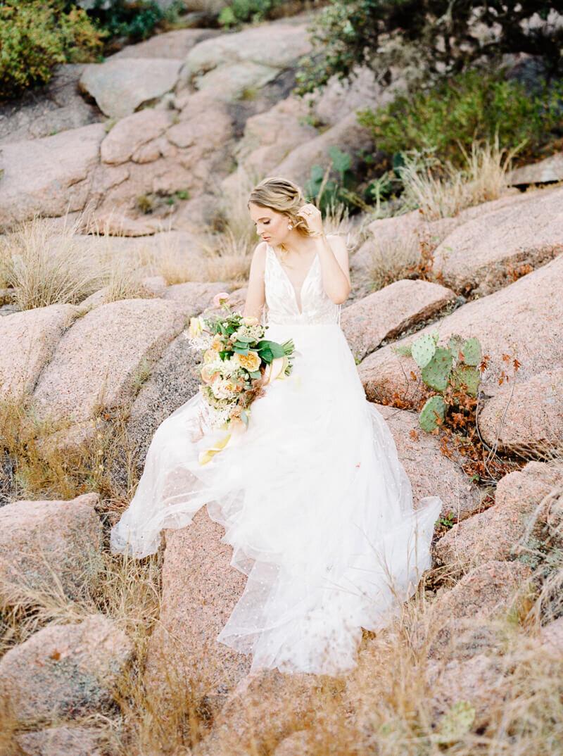 enchanted-rock-bridal-shoot-18.jpg
