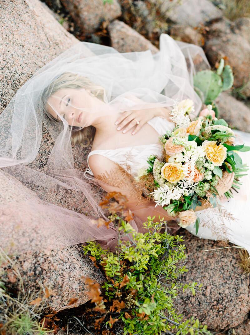 enchanted-rock-bridal-shoot-22.jpg