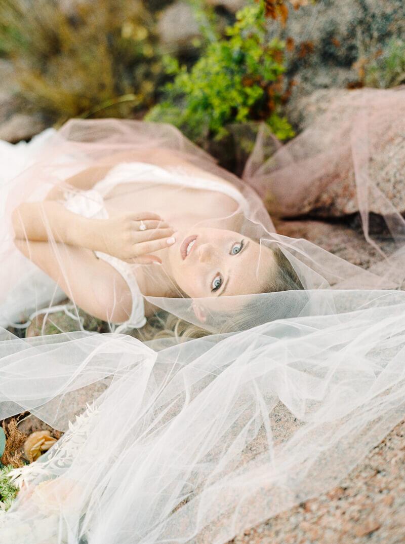 enchanted-rock-bridal-shoot-21.jpg